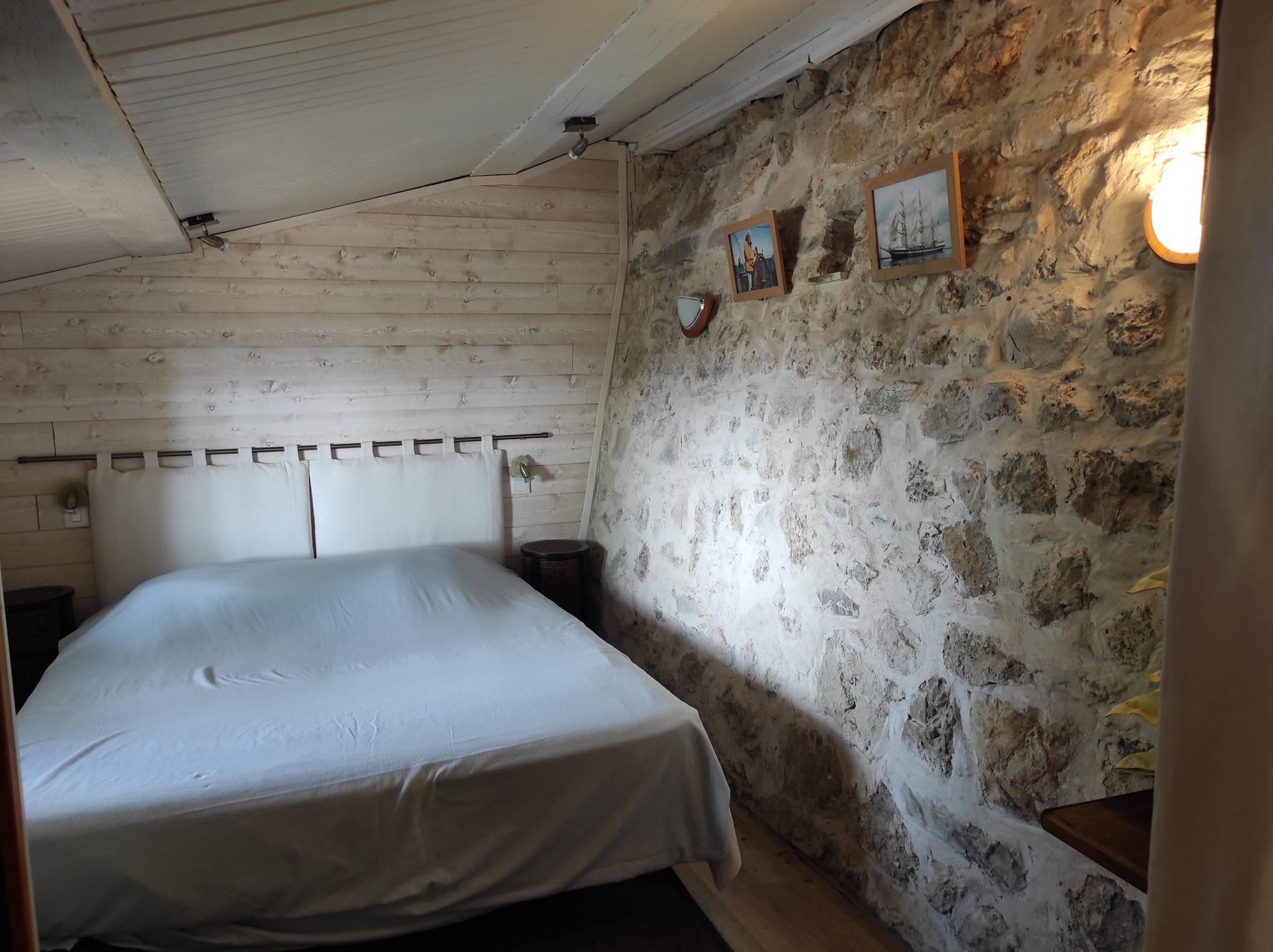 Cabanon avec chambre et salle d'eau